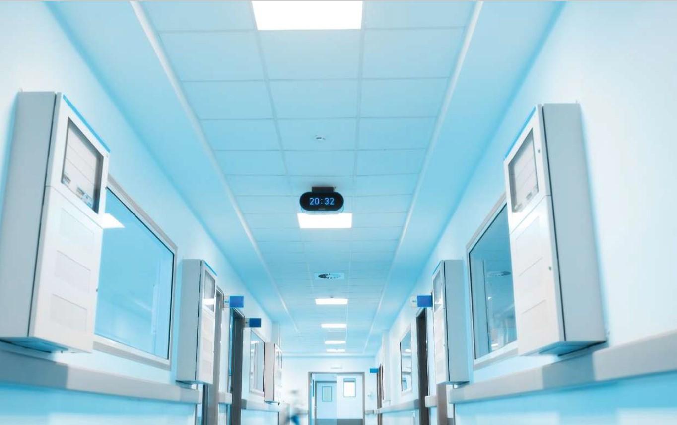 Zaščitne Nadgradne LED Svetilke za ambulante
